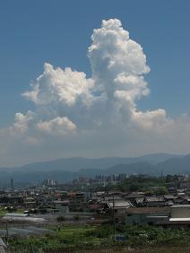 10%夏の雲IMG_5303.JPG